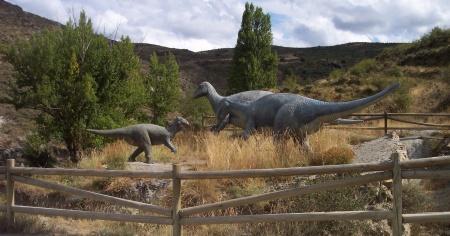 Paseando entre dinosaurios en La Rioja