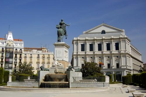 La Plaza de Oriente y el Palacio Real de Madrid
