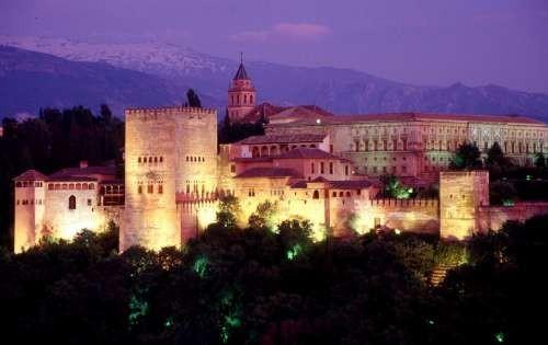La Alhambra de Granada, un paseo por su interior