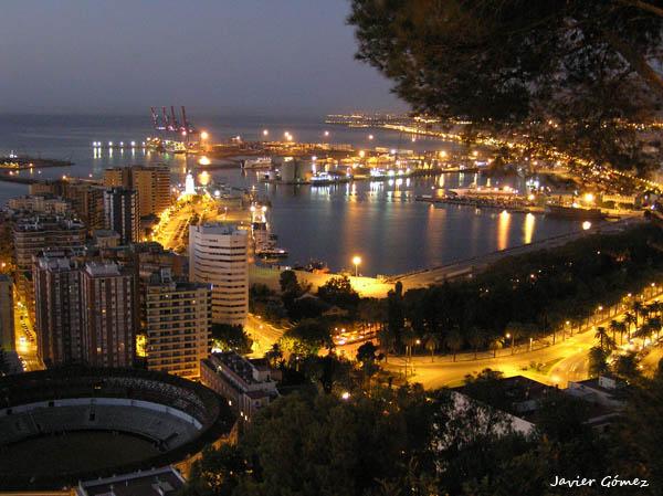Vista de Málaga al amanecer