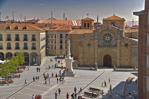 Plaza de Santa Teresa con el Convento de la Santa