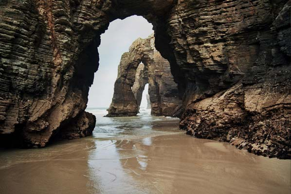 Playa de las Catedrales, arte en piedra natural