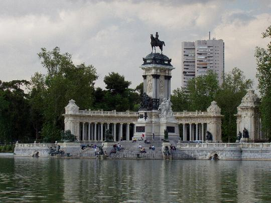 Lago del Parque del Retiro