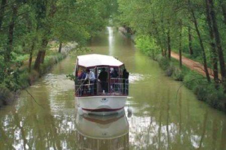 Medina de Rioseco, paseo en barco por el Canal de Castilla