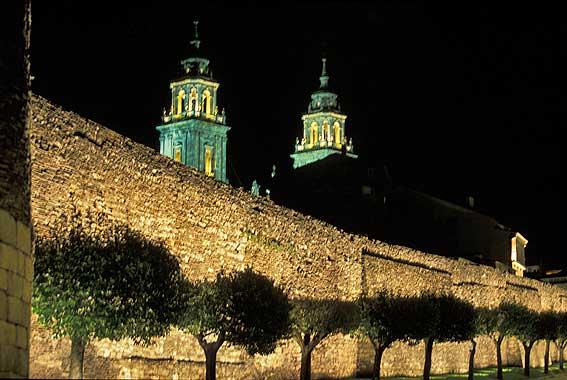 Lugo, la muralla romana de Galicia