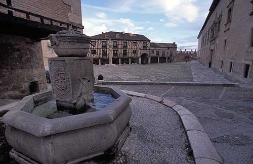 Peñaranda de Duero, aldea monumental