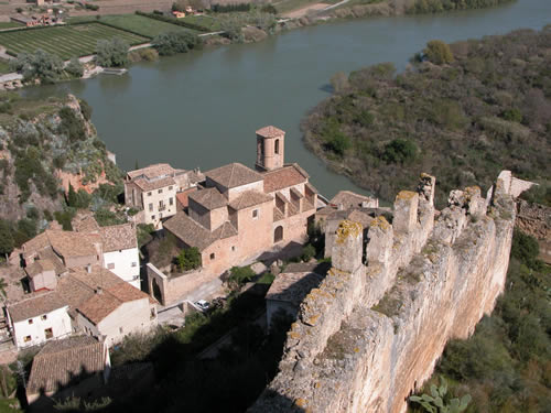 Miravet, la fortaleza del Ebro
