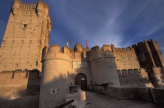Cuatro castillos fronterizos en España