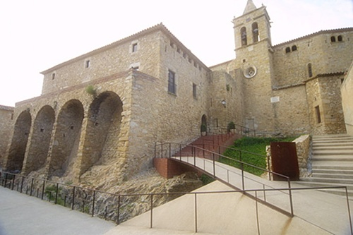 Castillo de Aro, sol y cultura