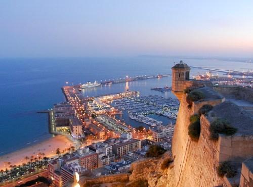 Vista de Alicante desde el Castillo de Santa Barbara