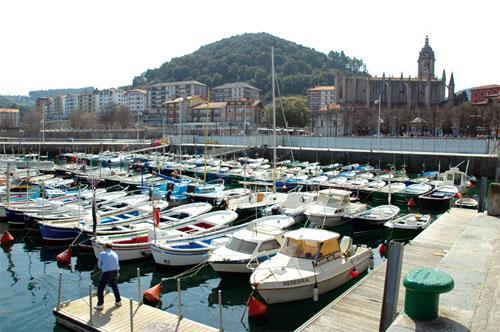Lekeitio, imagen de postal en el País Vasco