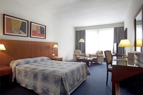 Hotel Husa Moncloa, lujo y turismo en Madrid