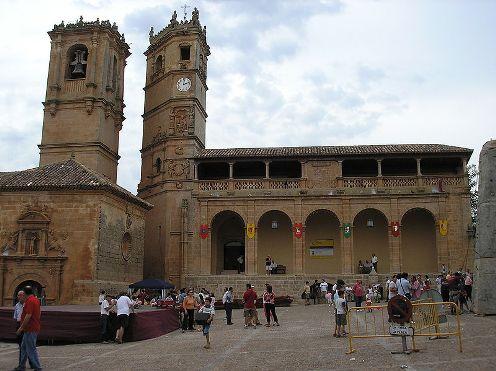 Alcaraz, plaza principal
