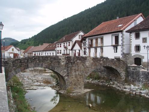 Ochagavía, pintoresco pueblo del Pirineo navarro