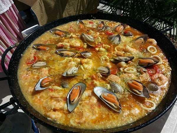 Comer paella en Valencia