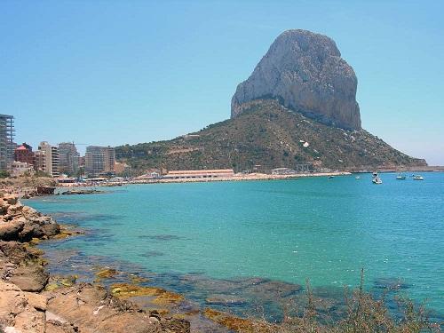 Dos destinos de playa en la costa del Mediterráneo
