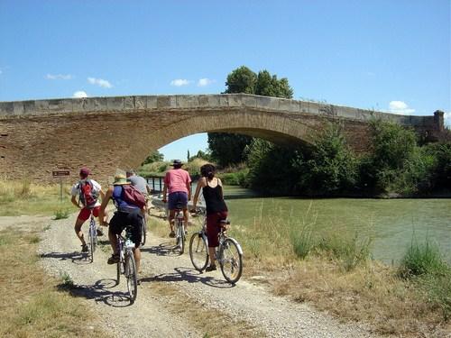 El Canal Imperial de Aragón, entre Tudela y Zaragoza