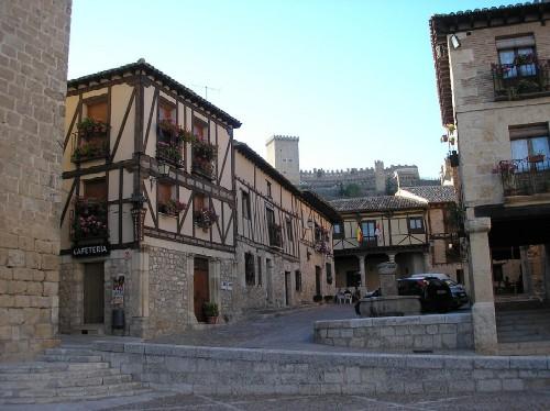 Peñaranda de Duero, plaza monumental
