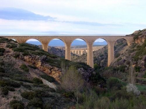 La Vía Verde de los Ojos Negros, entre Castellón y Teruel