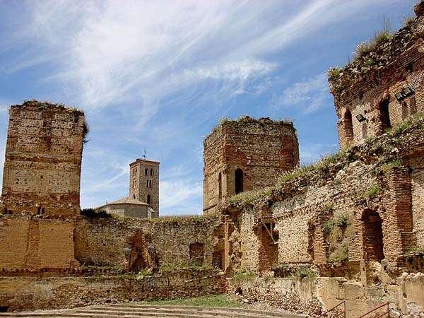 Buitrago del Lozoya - interior del castillo