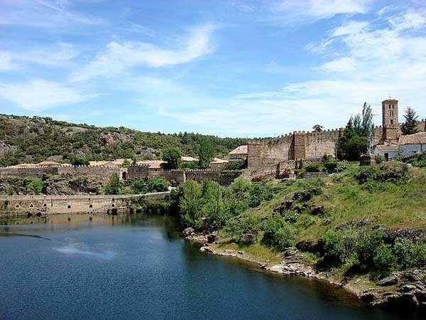 Buitrago del lozoya historia en la sierra madrile a for Piscinas naturales buitrago