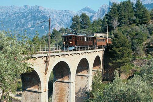 El tren de Sóller, viaje turístico por Mallorca