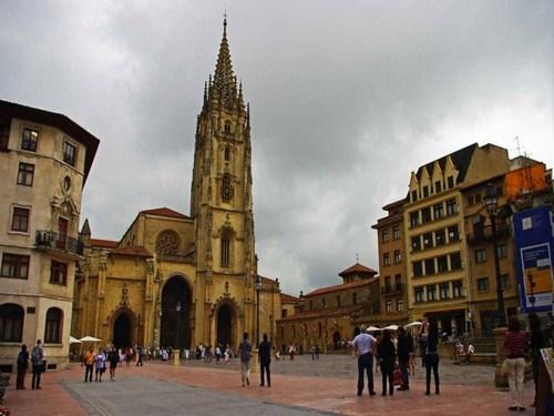 Por los pueblos y ciudades de Asturias