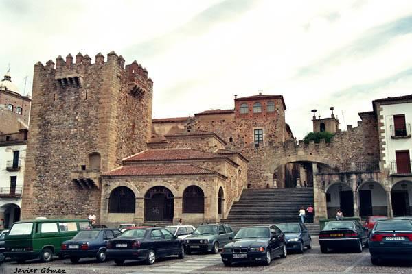 Hoteles céntricos en Cáceres
