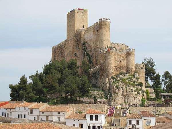 Almansa, tierra de castillos en Albacete