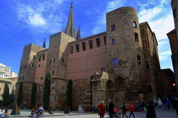 Muralla romana en Barcelona