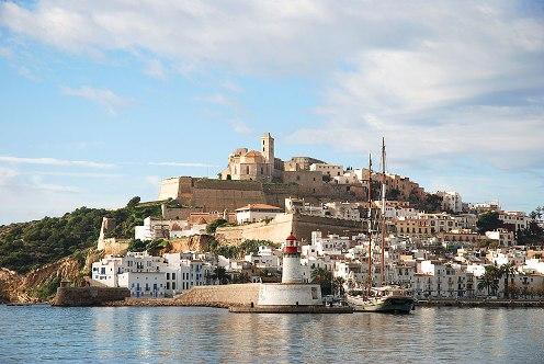 Ibiza. Abierto 24 horas