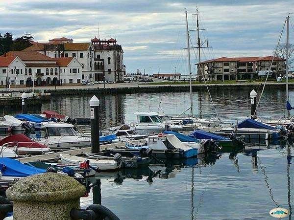 Marín, frente a la ría de Pontevedra