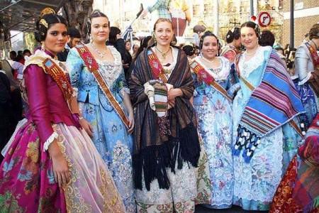 El Traje de Fallera Valenciana