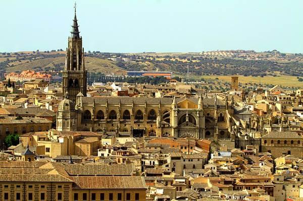 Vistas de Toledo con la catedral